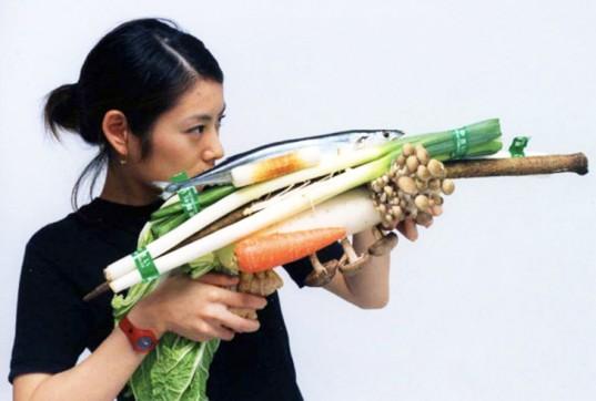 Tsuyoshi-Ozawa-vegetable-weapons-537x362